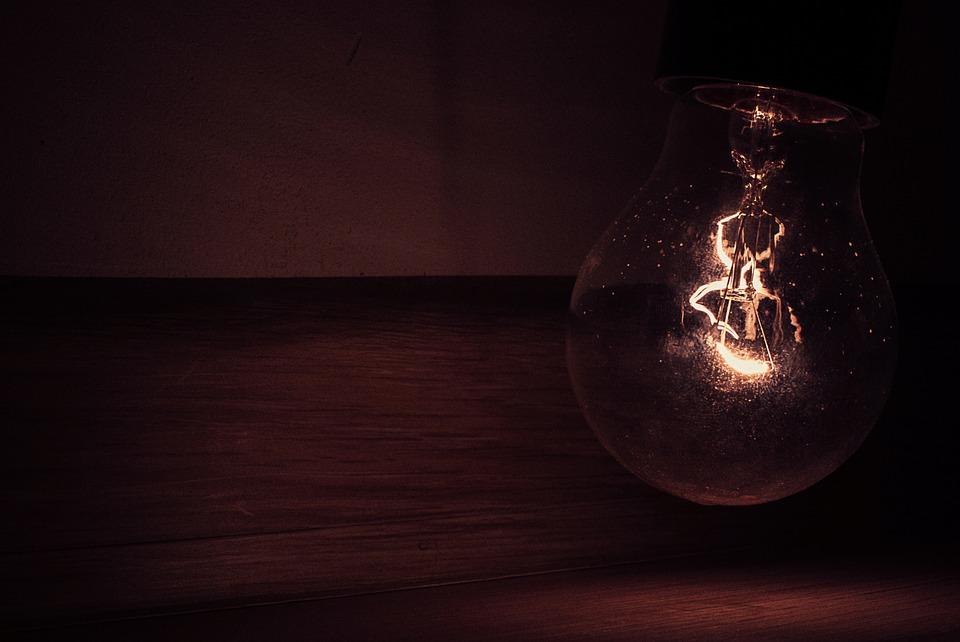 light-bulb-924935_960_720